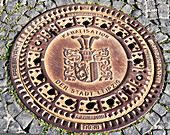 Deckel der Kanalisation der Stadt Leipzig, Sachsen, Deutschland