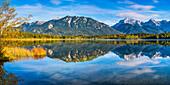 Barmsee, behind it the Karwendel Mountains, Werdenfelser Land, Upper Bavaria, Bavaria, Germany, Europe