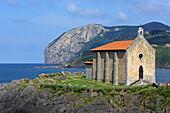 Santa Katalina Church of Mundaka and mouth of the Ria de Urdaibai, Urdaibai Biosphere Reserve, Basque Country, Spain