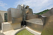 Guggenheim Museum by Frank O. Gehry, Bilbao, Basque Country, Spain