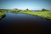 Clear sky over the lake Breites Wasser in Teufelsmoor, Worpswede, Osterholz, Lower Saxony, Germany, Europe