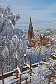 View from the Schlossberg to the cathedral<Unserer lieben Frau> in snow, Freiburg, Breisgau, Southern Black Forest, Black Forest, Baden-Wuerttemberg, Germany, Europe