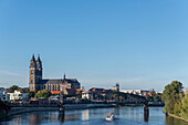 Magdeburg Cathedral, in front of it lift bridge and excursion boat, Magdeburg, Saxony-Anhalt, Germany