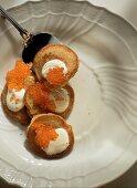 Blini s ikroi (blini with sour cream and caviare, Russia)
