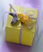 Easter parcel (gift box with Easter decoration)