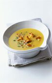 Potato soup with chanterelles and parsley