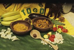 Palm kernel paste and curry with chicken & okra pod (Togo)