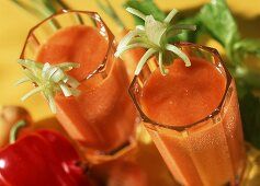Tomato and pepper smoothie with vodka (the atom smasher)