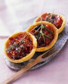 Tomato tartlet with anchovy fillets
