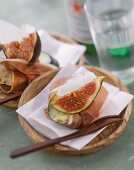 Zucchine al prosciutto (Courgette with ham and fig)
