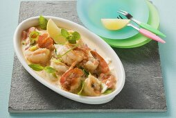 Prawns with sheep's cheese sauce