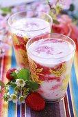 Banana and strawberry shakes