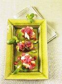 Bruschetta with asparagus and tuna