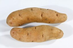 Two potatoes (variety 'Bamberger Hörnchen')