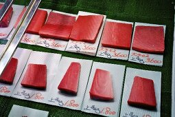 Tuna of various grades at a market