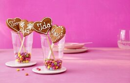 Gingerbread hearts on sticks