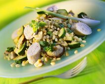 Barley risotto with courgettes, mushrooms and turkey rolls
