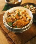 Chicken curry with cashew nuts
