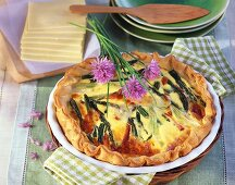 Green asparagus and smoked salmon quiche