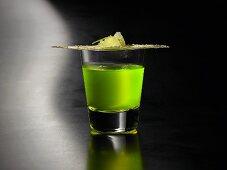 Flourescent absinth sour (molecular gastronomy)