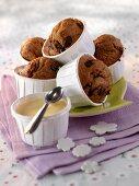 Mini muffins with custard