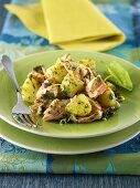 Lukewarm potato and salmon salad