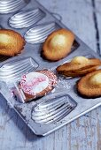 Madeleines in Backform