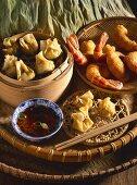 Steamed dumplings and deep-fried prawns (Vietnam)