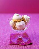 Shortcakes with lemon meringue