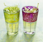 Elderflower juice in two glasses