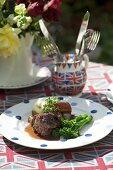 Braised oxtails with broccoli (England)