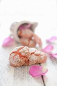 Amaretti with rose petals