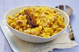 Curried rice with sultanas and cashew nuts (Indian)
