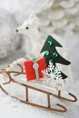 Small sleigh with Christmas decorations