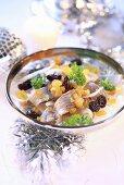 Herring salad with onion and raisins