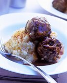 Meatballs with (instant) mashed potato