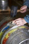 Sealing a barrel of beer