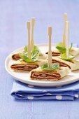 Tortilla-Tapas mit Bohnenpaste