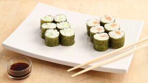 Making maki sushi (English Voice Over)
