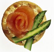 Cracker with Smoked Salmon and Asparagus