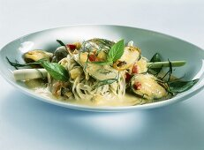 Asian noodles with shellfish