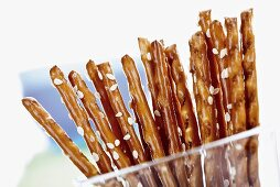 Salted sticks with sesame seeds (close-up)
