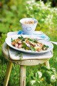 Grünkernsalat mit Spargel, gekochtem Schinken & Radieschen