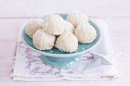 Coconut balls with almonds and white chocolate