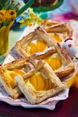 Easter pastries with puff pastry and apricots