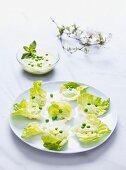 Lettuce leaves with mushy peas