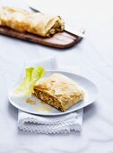 Lettuce strudel with ham and cheese