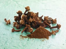 Whole cloves and ground cloves