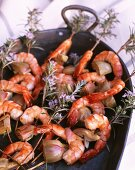 Shrimp kebabs with rosemary and artichokes