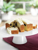 Sour cream cake with blueberries